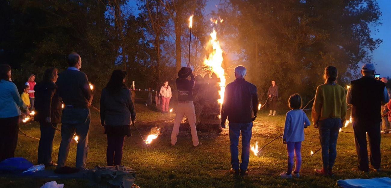 Paljenje svete vatre Neven Carin Firewalking